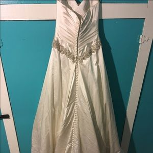 NWOT. Wedding gown